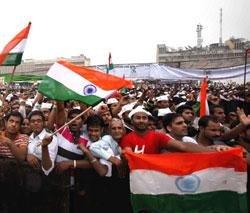 Eminent Editor criticises TV journos over Anna stir coverage