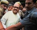 Cash-for-votes: Amar's bail extended, Ahmed Patel dragged in
