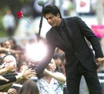 Shahrukh plans to quit smoking after 'Ra.One' release