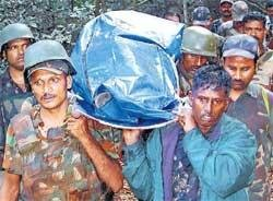 Clash with Naxals kills cop at Belthangady