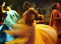 Reporter delves into world of Mumbai dance bars