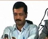 Kejriwal wants govt to answer on tapping allegation