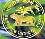 Rangarajan for RBI intervention to check rupee fall