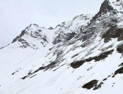 Leh freezes at minus 18 - season's lowest