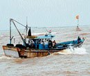20 feared dead as boat capsizes near Chennai