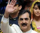 Gilani given last lifeline by SC to end stand-off: Pak media