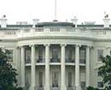 Smoke bomb tossed over White House fence