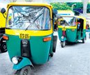 Auto driver returns Rs 5 lakh to passenger