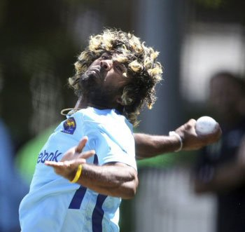 Sri Lanka chase elusive win, take on Australia