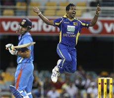 Clinical Lanka brush feeble Indians aside