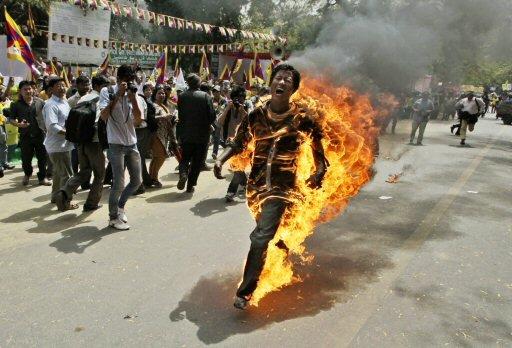 Tibetan activist sets himself ablaze, battles for life