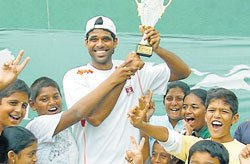 Tennis lovers throng MTC for finals