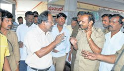 Conductor assaulted for not issuing change