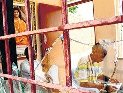 Late order delays ashram takeover
