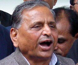 Floated 3 names as Cong appeared dithering on Pranab: Mulayam