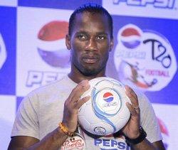 Star footballer Drogba feels Dhoni is a good leader