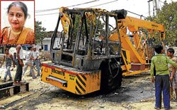 Iron girder breaks down, crushes woman to death
