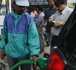 Oil cos may cut petrol rates by Rs 4 a litre next month