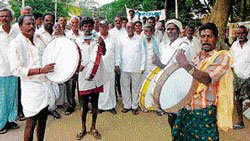 'Use canals to supply water from Yettinahole'
