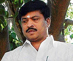 Varthur continues as minister, but dist BJP unit is unhappy