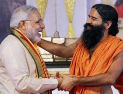 Ramdev gives clean chit to Modi, ruffles Team Anna