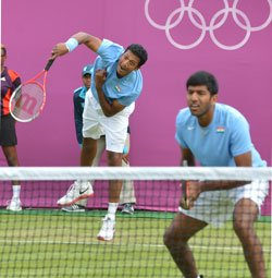 Hesh-Bops duo ousted; tricky draw for Paes-Sania
