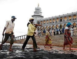 Suvarna Soudha to be opened in Sept