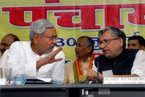 JD(U) says Nitish eligible for PM, lauds Advani for blog