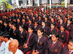 Educated women help in nation's progress: Governor