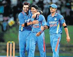 Dhoni credits bowlers