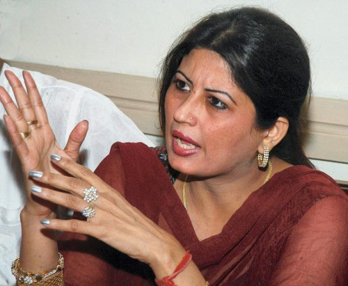 Rs 92 lakh, jewellery found in Fiza's house