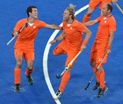 Netherlands hammer Britain 9-2; set to play final with Germany