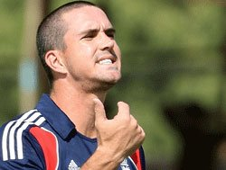 Pietersen axed by England after texting controversy