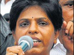 'Women's panel chief must quit'