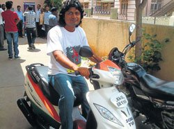 Magician to ride blindfolded from city to M'lore