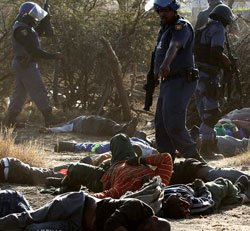 Police: More than 30 killed in S Africa shooting