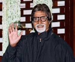 Big B joins Facebook, gets about 8 lakh likes