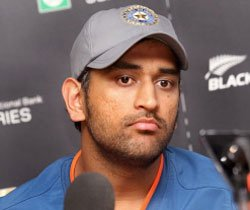 Dhoni not invited to Laxman's late night party