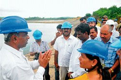 Compensate victims,Shobha tells UPCL