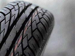 Moderate topline growth to mar softening rubber price benefits