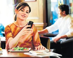 How your cell phone can ruin your relationship