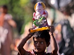 Ganapati Bappa Morya, B-town chants on Ganesh festival