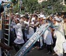 Rally against 'offensive film' turns violent in Kolkata