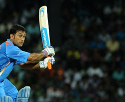 Don't criticise 5-bowler theory on basis of one failure: Dhoni