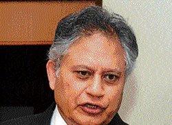 Shiv Khera to file PIL against  former CJIs