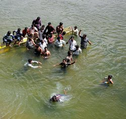 Karnataka leaders to meet PM