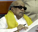 Karuna cautions UPA against 'hasty' reform announcments