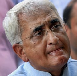 Notice to TV Today, others in Khurshid defamation suit