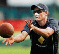 Hussey leaves CLT20 due to 'personal reasons'