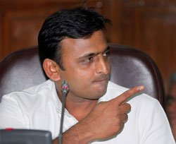 Akhilesh warns of stern measures against police harassment